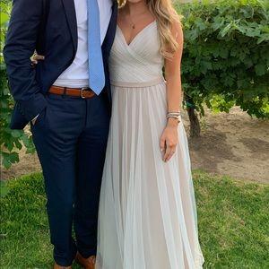 Dresses & Skirts - CHIFFON AND TULLE LONG KLEINFELD BRIDESMAID DRESS